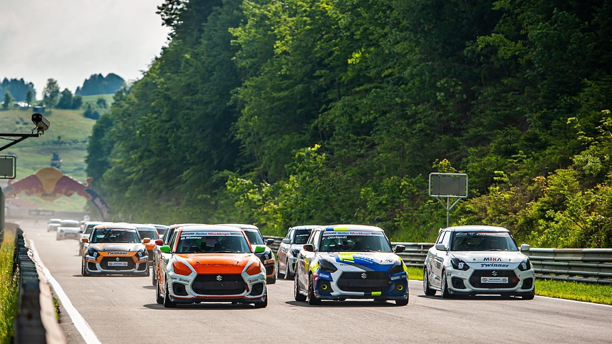 Drei Rennen aber vier Starts für den Suzuki Swift Cup Europe Credit Michael Jurtin XLR8